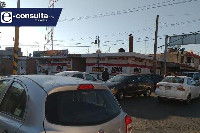 Sindicalizados toman alcaldía de Apetatitlán por una deuda de más de 1.5 mdp