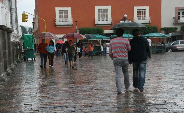 Diversas afectaciones por lluvias en la capital del estado