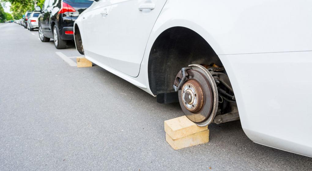 Imparable el robo de neumáticos en Totolac; director de la policía en casa