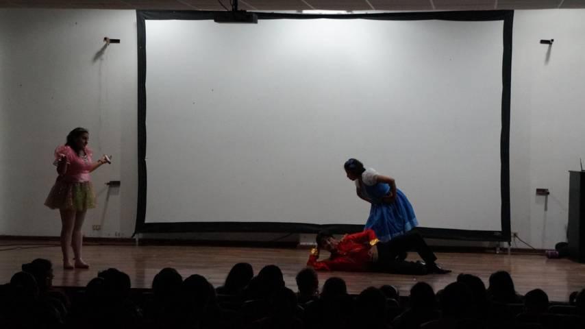 Presentan la obra teatral El Cascanueces en San Pablo del Monte
