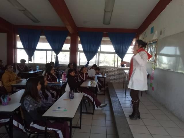 Imparte SMDIF capitalino platicas preventivas en secundaria de Ocotlán