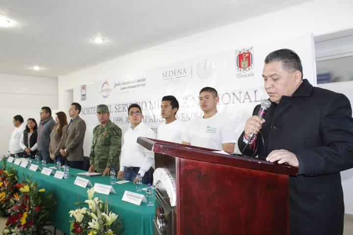 Cumplen 87 jóvenes de Apetatitlán con sorteo para Servicio Militar
