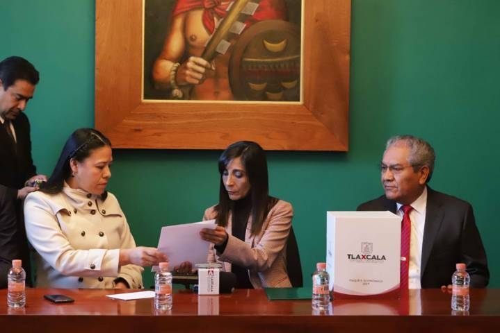 Entrega Ejecutivo presupuesto equilibrado al Congreso Del Estado