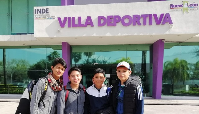 Viajan squashistas a torneo infantil y juvenil en Nuevo León