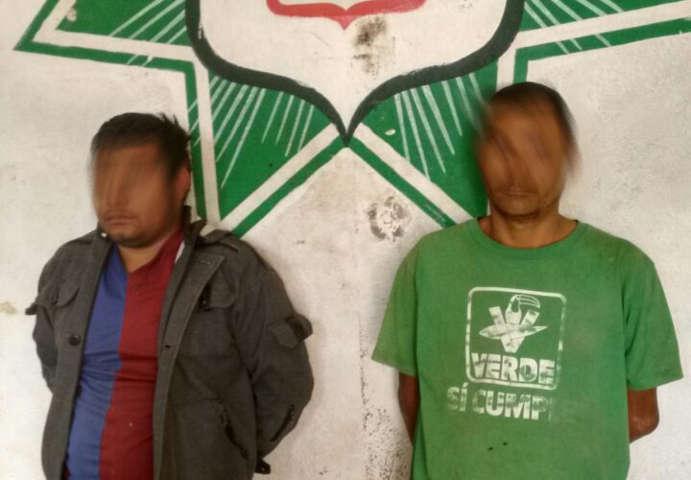Policía municipal tras persecución detienen a dos presuntos ladrones