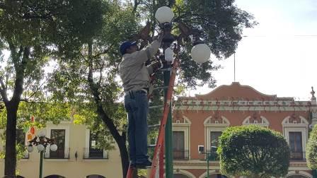 Continúa el programa sustitución de luminarias en la capital