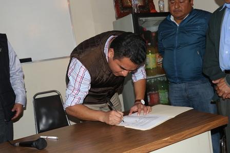 Respalda alcalde de Apizaco a locatarios del mercado Guadalupe