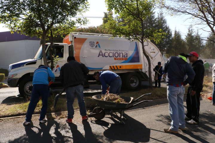 Brigada 212 limpia calles de Apizaco