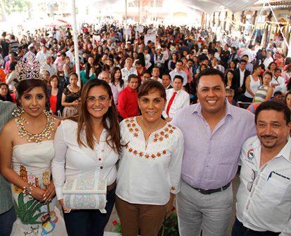 Inaugura Sandra Chávez primera Feria Artesanal 2017
