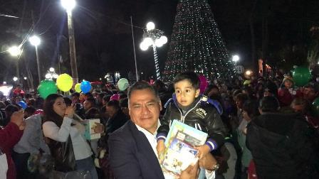 Festejan en Tetla de la Solidaridad Día de Reyes