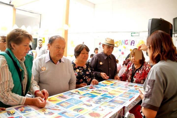 Imparten taller motivacional a adultos mayores en el IMTPD