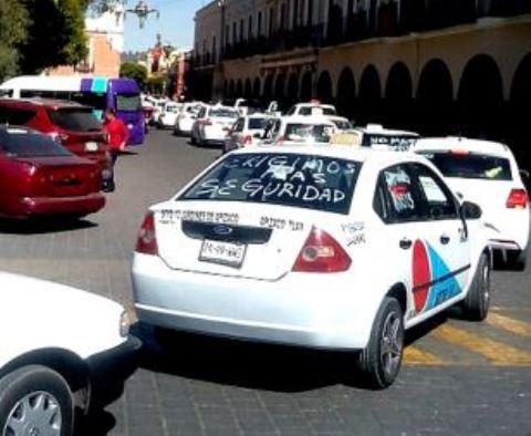 Taxis de Tlaxcala van a parar a deshuesadero de la Ciudad de México