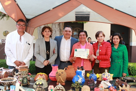 Ayuntamiento e Icatlax finalizan curso de alfarería de 194 horas