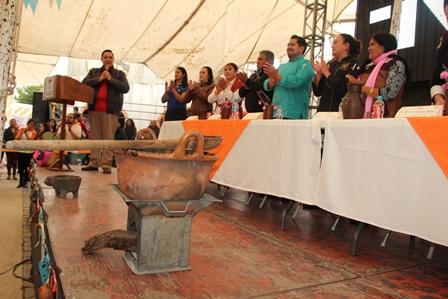 Segundo festival del mole de Tecopilco fue engalanado por Honorina Arroyo
