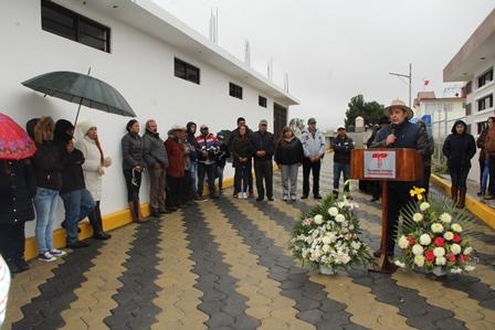 Vázquez Morales entrega obra pública en privada Constituyentes