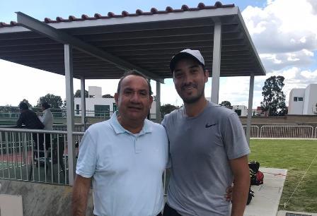 Se impone el tlaxcalteca Raúl Rosas ante competidores de tenis