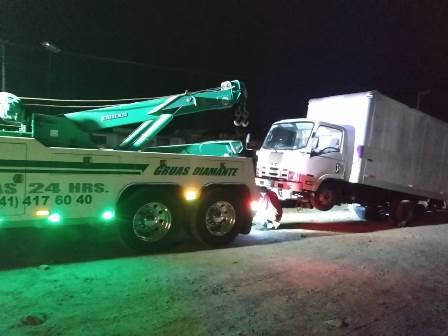 Recupera Policía de Tequexquitla camiones que habían sido robados