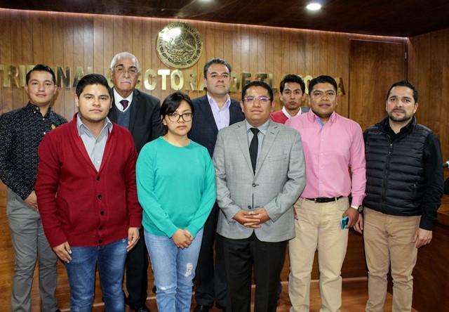 Seis trabajadores del TET realizan estancia judicial en el TEPJF