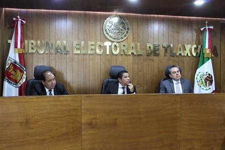 Ordenan a edil de Huactzinco pagar salario suspendido a síndica