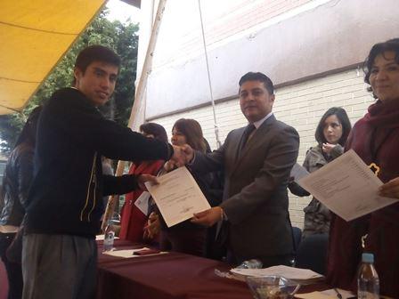 Clausuran cursos de inglés  impartidos por ICATLAX