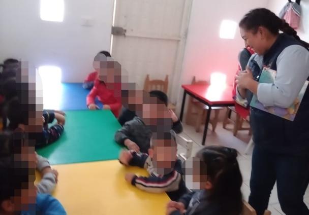 Cuenta cuentos en estancias para educar niños alegres y con valores en Tetla