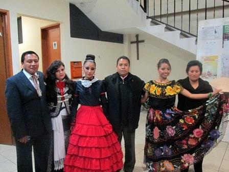 Presentan a candidatas a reina de la feria de Tetlanohcan
