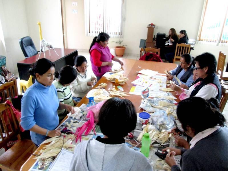 En Tetlanohcan se capacitan mujeres emprendedoras