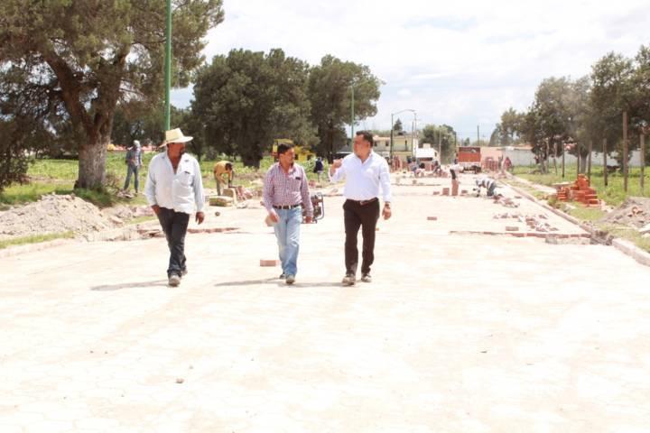 Supervisa presidente de Tetla obra pública en el municipio