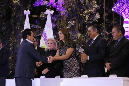 """Atestigua comuna de Tlaxcala entrega de """"Reconocimientos a Tiachcas"""" en Nuevo León"""