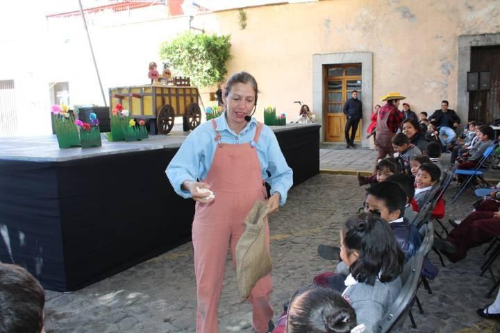 Aplauden en Apetatitlán a titiriteros de Guanajuato