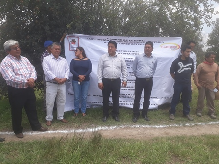 Más servicios básicos para el barrio de Teotlalpan: Pluma