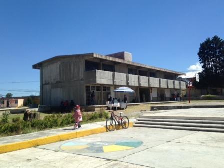 Logran padres de familia de Tlaltelulco convenios con autoridades