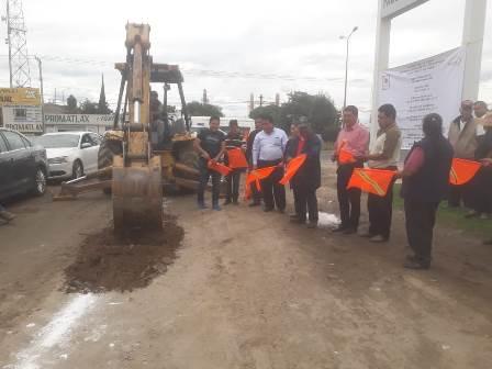 Alcalde pone en marcha obra de drenaje sanitario en Yoalcoatl