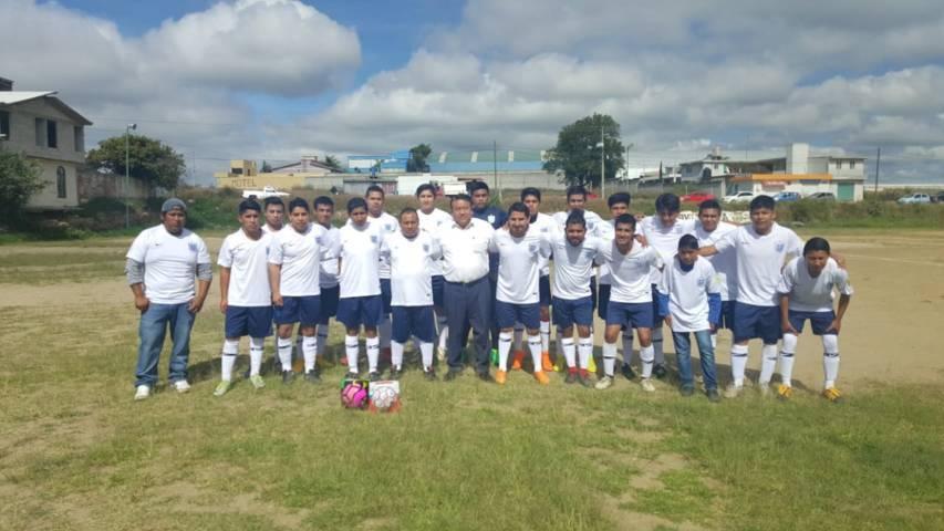 Presidente Pluma Morales, impulsa a fomentar el deporte en Tlaltelulco