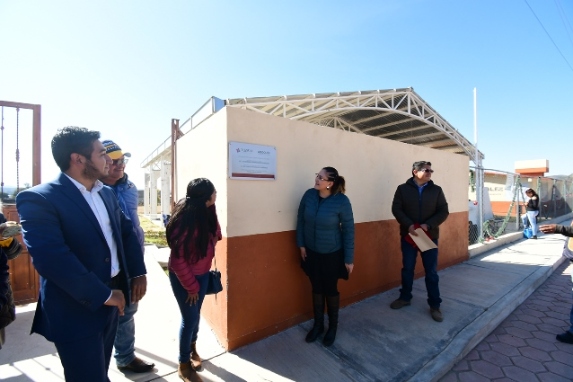En Tlaxco sigue la entrega de obras de infraestructura educativa