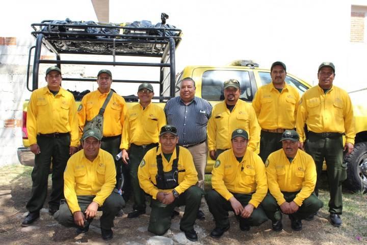 Apoyan combatientes de Tlaxcala en incendios forestales de Durango