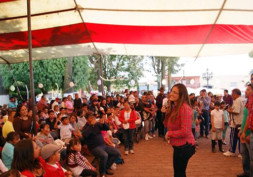 Logra alcaldesa de Tlaxco más de 3 mil sonrisas en festejo