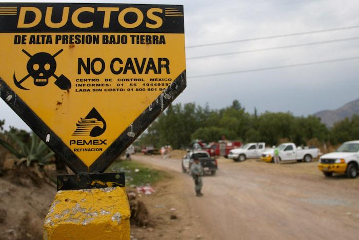 Huachicoleros provocan explosión en ductos de Pemex en Calpulalpan