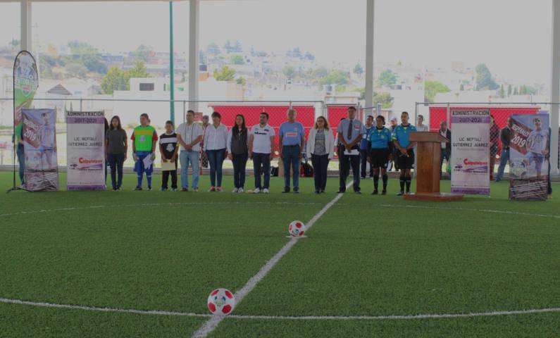 """Alcalde fomenta el deporte en niños con torneo nacional """"Futbolito Bimbo"""""""