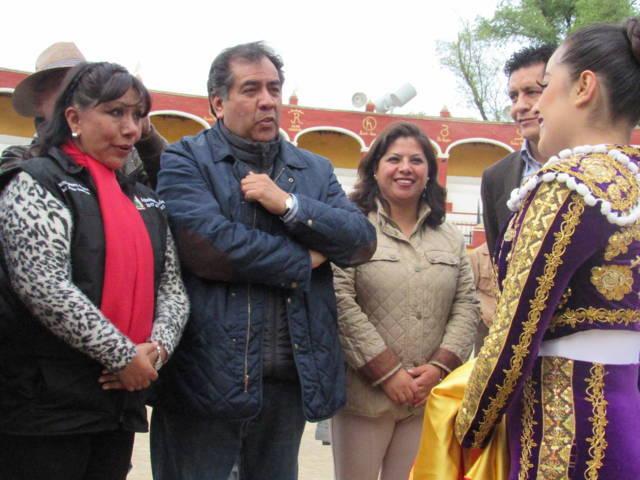 Inaugura municipio de Tlaxcala la primera Expo Artesanal Taurina