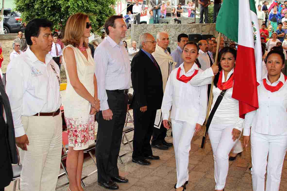 Visita Embajador de España comunidades de los cuatro señoríos en Totolac