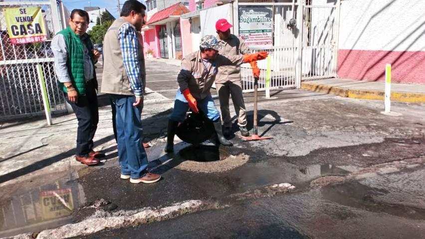 Continúan con trabajos de limpieza en la capital tras fuerte lluvia