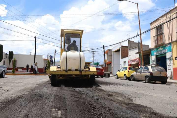 Alcalde pone en marcha programa para rehabilitar varias vialidades
