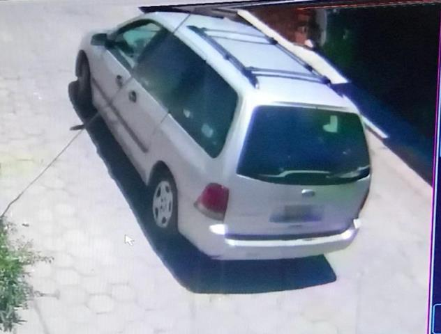 Aseguran policías de Apizaco camioneta relacionada en robos