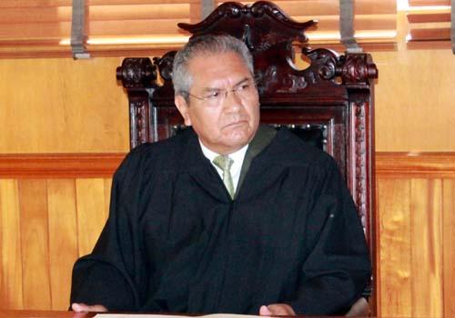 Podría llegar el magistrado a la Consejería Jurídica del Gobierno de Mena