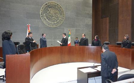 Maldonado instala a Bernal como magistrado del TSJE