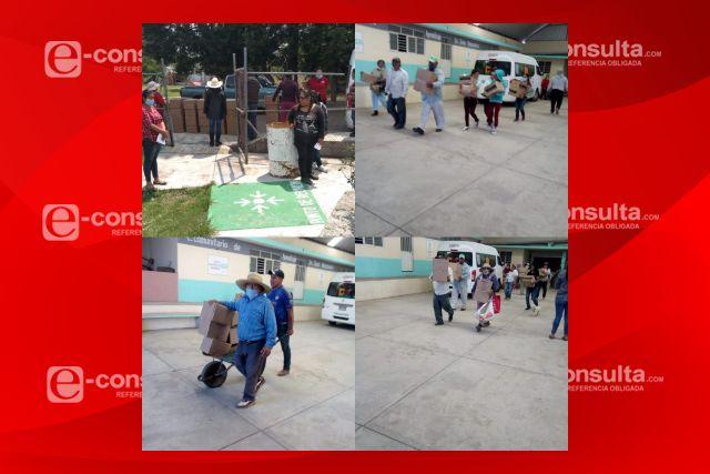 El Gobierno Municipal de Ixtacuixtla y el SMDIF entregan despensas en Zonas marginadas
