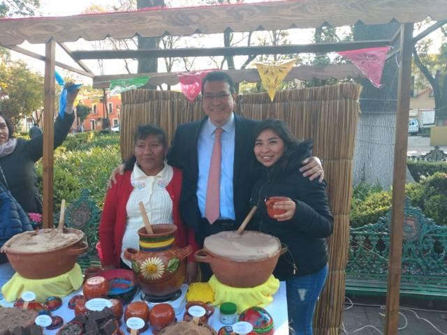 Reconoce Gobernador trabajo turístico de Zacatelco