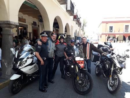 Brinda Policía Turística atención a visitantes de varios estados
