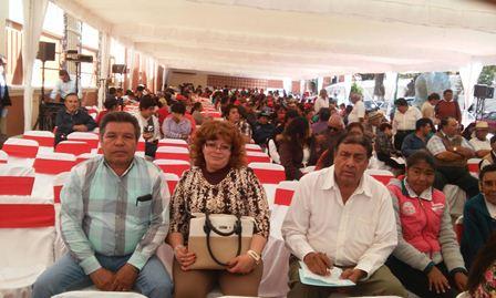 Regidores de Tzompantepec presentes en el Día del Artesano